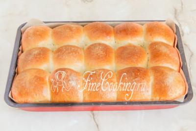 Шаг 24. Выпекаем сдобные ванильные булочки в предварительно разогретой духовке на среднем уровне при 180-185 градусах