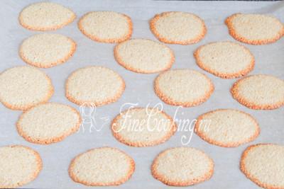 Шаг 10. Готовим кунжутное печенье при такой же температуру не более 15 минут