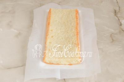 Шаг 34. Выбираем плоское прямоугольное блюдо, на котором будем подавать торт