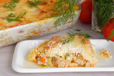 Шаг 18. Подаем ароматную, нежную и очень вкусную капустную запеканку горячей со свежей зеленью