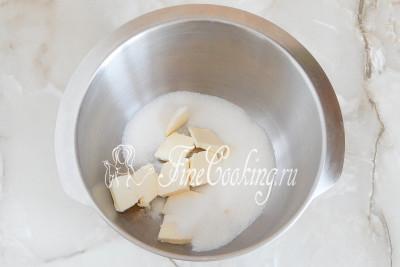 Сразу включаем греться духовку (180 градусов), а тем временем занимаемся приготовлением теста для печенья