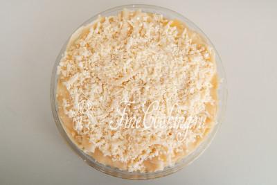 Таким образом собираем заготовку: слой сырого теста, сырная начинка, 6 слоев отварного теста с 6 слоями сырной начинки