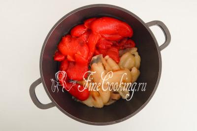 Складываем мякоть перца в объемную посуду
