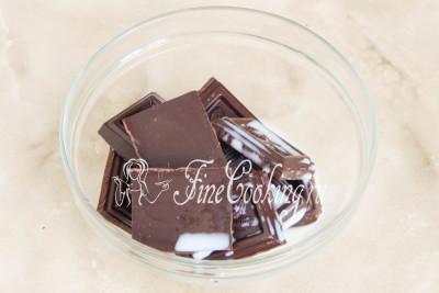 Пока застываем торт, можно приготовить шоколадную глазурь