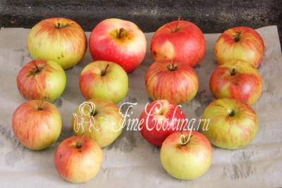 Итак, первым делом приготовим яблочное пюре