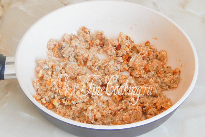 Суть данной процедуры заключается в том, чтобы все орехи и семена покрылись сиропом и впитали его