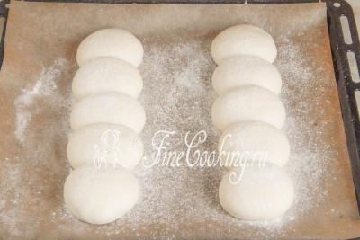 Прикрываем будущих хлеб из Тичино легким полотенцем или пищевой пленкой