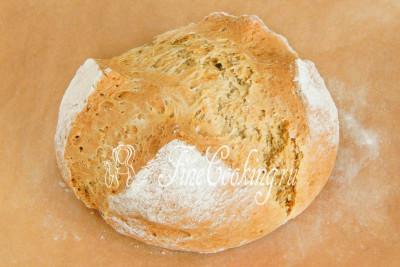 Выпекаем ирландский содовый хлеб в заранее прогретой духовке (у меня только нижний нагрев, но можно и на режиме верх-низ) при 200 градусах на среднем уровне
