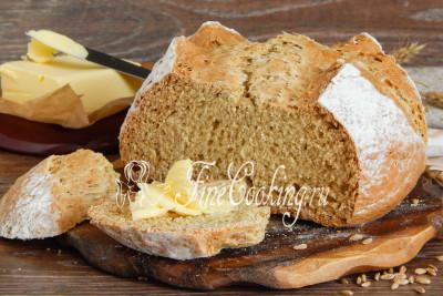 Подаем этот ароматный и вкусный домашний хлеб в теплом или остывшем виде