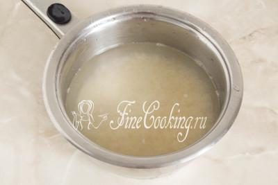 Для этого блюда советую использовать именно пропаренный рис, так как он идеально сохраняет форму и не разваривается в кашеобразную массу