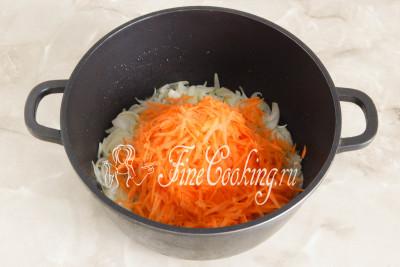 Второй овощ - морковь (200 граммов - это 2-3 корнеплода среднего размера)