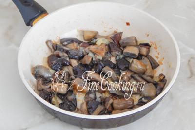 Готовые грибочки аппетитно благоухают и хорошо зарумянились