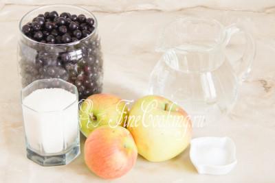 Готовить этот вкусный и ароматный компот на зиму мы будем из черноплодной рябины, яблок, воды, сахарного песка и лимонной кислоты