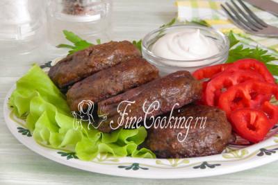 Подаем это изумительно сочное, вкусное и ароматное блюдо в горячем виде, хотя и холодными они хороши
