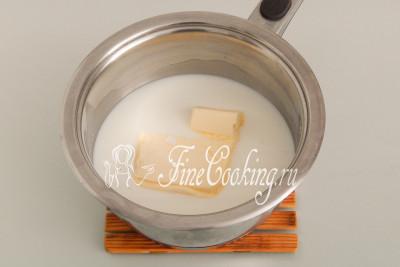 Пока остывает бисквит, займемся приготовлением шоколадной глазури для будущих пирожных Ламингтон