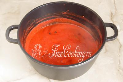 Кстати, без крышки минут за 20 томатный сок с добавками успел провариться, упариться и стать гуще