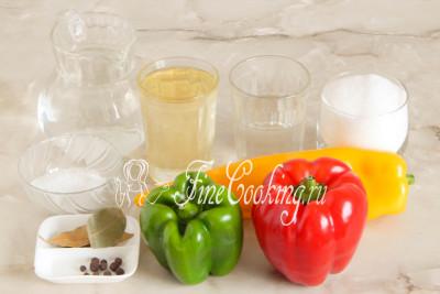 Для приготовления маринованного болгарского перца на зиму нам понадобятся следующие продукты: сладкий перец, вода, столовый 9% уксус, сахарный песок, рафинированное растительное (у меня подсолнечное) масло, поваренная соль, лавровый лист и душистый перец горошек