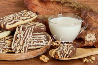 Обязательно попробуйте этот довольно простой рецепт вкусного песочного печенья с орехами