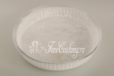Берем форму для выпечки (можно не только круглую - у меня диаметром 24 сантиметра, но и квадратную или прямоугольную)
