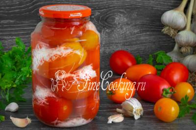 Вкусный и ароматный маринад, отлично сбалансированный, получается пикантным и гармонично сочетается с сочными помидорами
