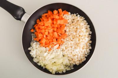 Следом чистим и измельчаем остальные овощи