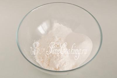 Простой бисквитный торт с кремом - рецепт пошаговый с фото