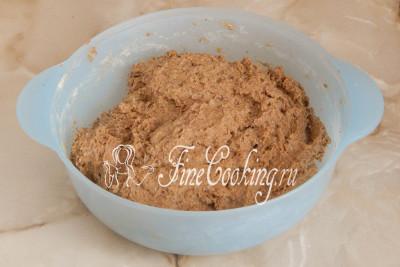 Спустя 1 час 30 минут (время брожения - понятие относительное, может понадобиться больше или меньше) тесто для ржаных лепешек немного поднимется и вздуется
