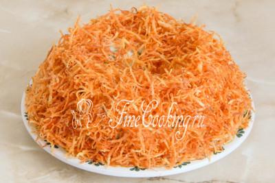 Покрываем салат остальной картофельной соломкой - уже вырисовывается гнездо