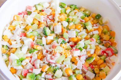Перемешиваем все - салат готов