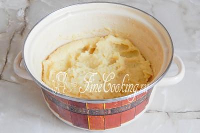 У нас должно получиться гладкое и однородное картофельное пюре