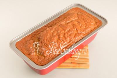 Ставим форму в заранее прогретую духовку и выпекаем печеночное суфле около часа при 180 градусах на среднем уровне (у меня газовая плита, нижний нагрев)
