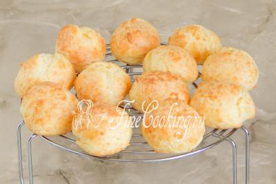 Готовые сырные булочки должны быть легкими, сухими, красивого золотистого цвета