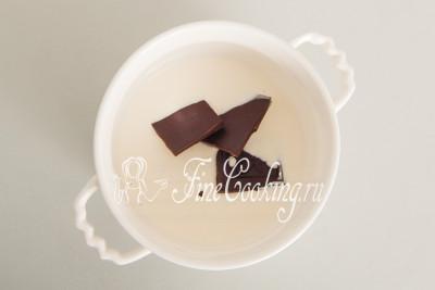 Теперь пора заняться шоколадным кремом