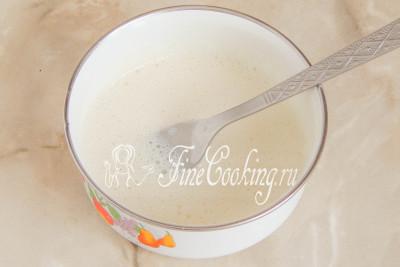 Желатин в горячем молоке растворился, пока его оставим в сторонке