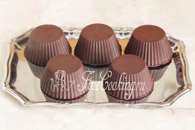 Ну вот, домашние творожные сырки в шоколадной глазури готовы - зовите деток!