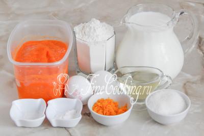 Готовить нежные и ароматные тыквенные блинчики мы будем из молока, пшеничной муки (ее может понадобиться больше, так как это напрямую зависит от ее влажности и густоты пюре), тыквенного пюре, апельсиновой цедры, сахара, соли, пищевой соды, рафинированного растительного масла и куриных яиц