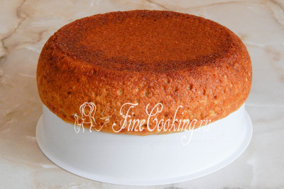 Когда тыквенный пирог будет готов, вынимаем его из чаши с помощью вставки для приготовления на пару