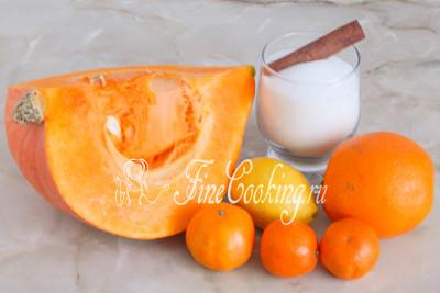 Для приготовления тыквенного варенья нам понадобятся следующие ингредиенты: тыква, сахарный песок, апельсин, мандарины, лимон и по желанию корица (я использую палочку, но можно и чайную ложку молотой - тогда готовое варенье будет чуть темнее)