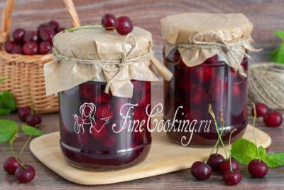 Обязательно приготовьте такой чудесный десерт для своей семьи - ароматная вишня в желе понравятся всем без исключения