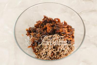Очищенные грецкие орешки внимательно осмотрите на наличие перегородок, кусочков скорлупы и удалите их, так как даже один небольшой фрагмент, попав на зуб, испортит все удовольствие