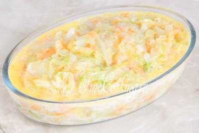 Заливаем яично-молочной смесью овощи и ставим все в предварительно прогретую духовку на 25-30 минут готовиться при 200 градусах