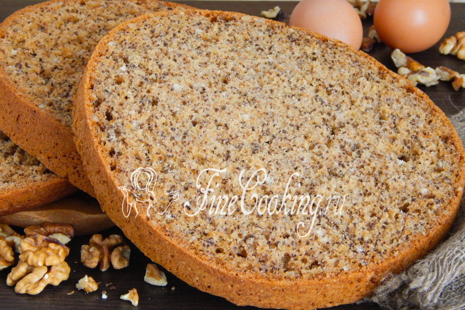 Бисквит с грецкими орехами