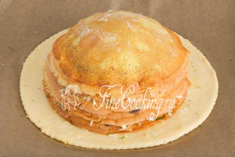 Вот так выглядит наш будущий пирог сбоку - он уже куполообразный