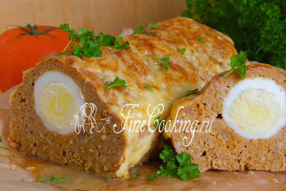 Митлоф (мясной хлеб) с яйцом