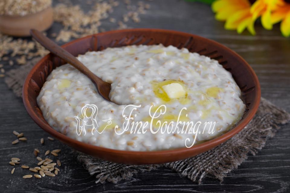 Молочная овсяная каша сваренная с изюмом - рецепт пошаговый с фото