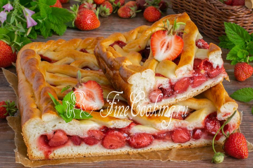 Пирог с клубникой на дрожжевом тесте