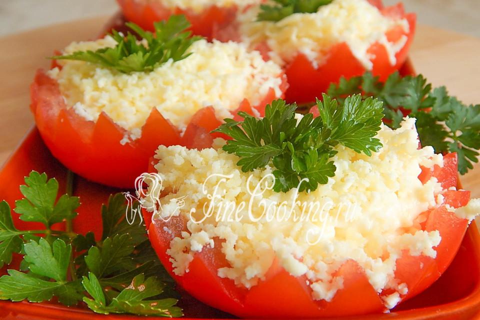 Помидоры фаршированные мясным салатом с фото