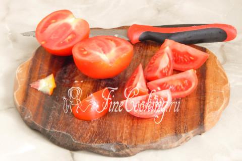 Рулетики из баклажанов с помидорами и чесноком. Шаг 8