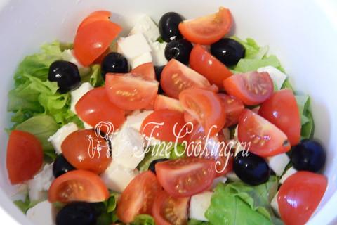 Салат греческий с брынзой. Шаг 5