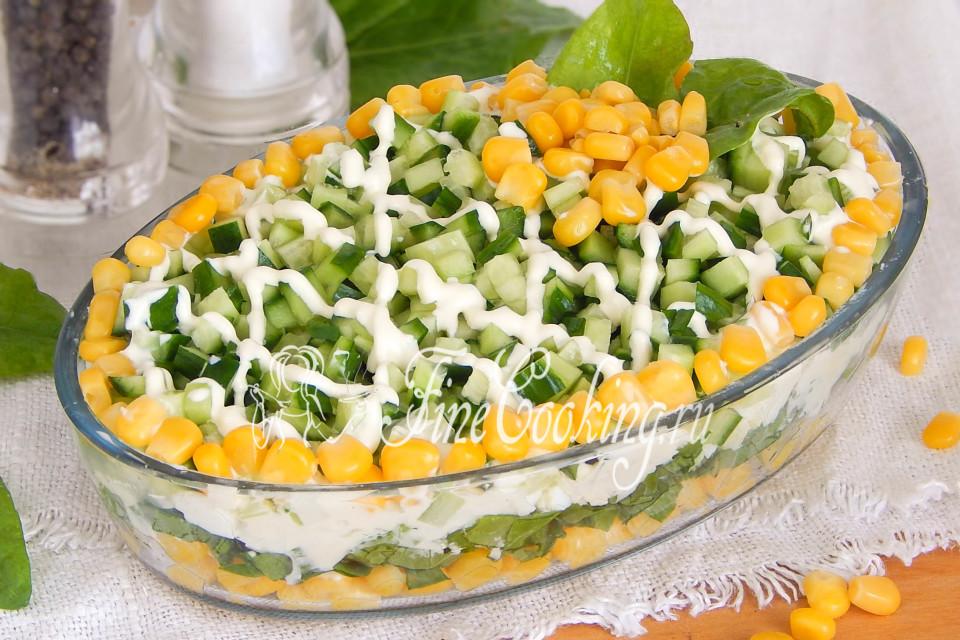 Салат с кукурузой и щавелем